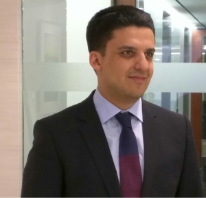 Farhad Alavi Headshot